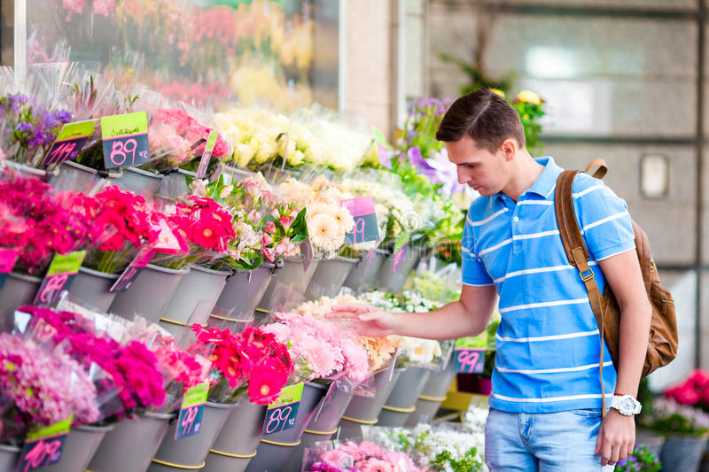 Things to Know When Buying Flowers Online